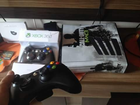 Xbox 360 Slim Lt3.0 2 Controles + Kinect