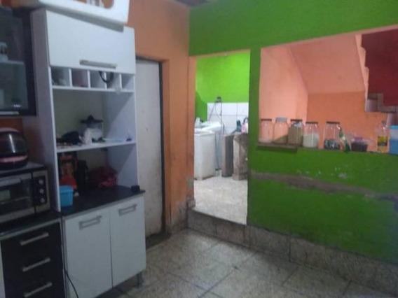 Casa De 2 Andares 3 Quartos E 2 Banheiro