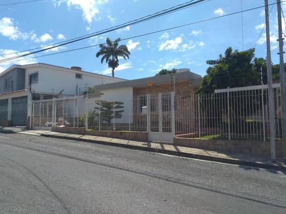 Casa En Venta Barquisimeto Santa Elena 20-175 Jg