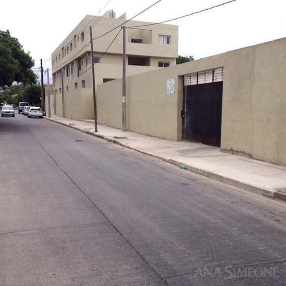 Excelente Nave Industrial De Oficinas Y Depósito En Alquiler O Venta A Estrenar.