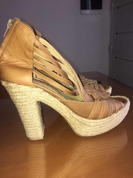 Bellos Y Originales Zapatos De Taco Y Plataforma