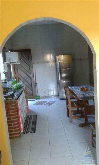 Casa Com 2 Dorms, Vila Mateo Bei, São Vicente - R$ 180.000,00, 72m² - Codigo: 4215 - V4215
