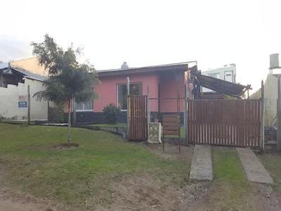Casa En Villa Gesell Se Alquila.