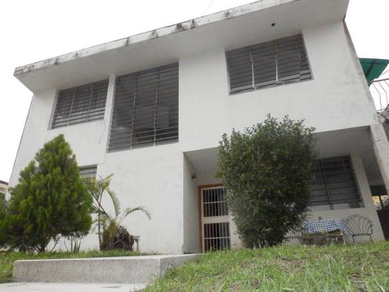 Casa En Venta Urb. La Soledad 20-12977 Jcm