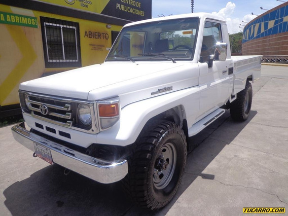 Toyota Macho Pick-up Sincrónico