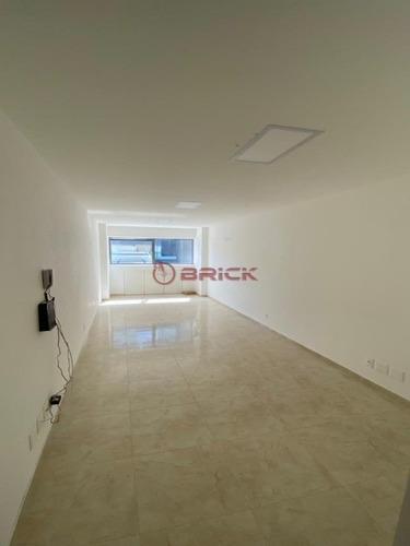 Imagem 1 de 7 de Sala Comercial, No Centro Da Cidade, Com 29 M². - Sa00120 - 69363795