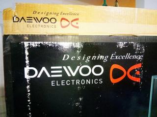Smart Tv Daewo 49 P 4k Mod Pantalla Rota .con Control.