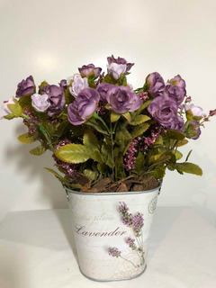 Arranjo Mini Rosas Lilás Artificiais Com Vaso De Metal