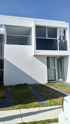 Casa En Renta, Circuito Campidano 150, Residencial Belmondo, Aguascalientes, Rcr 330417