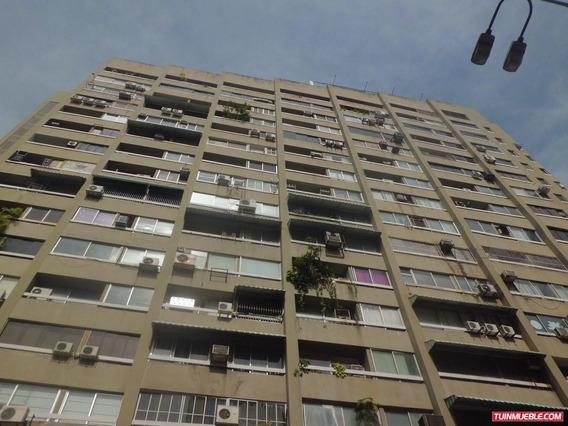 (v) Apartamento En Alquiler. Chacao. 3 Hab. Canon: 300$
