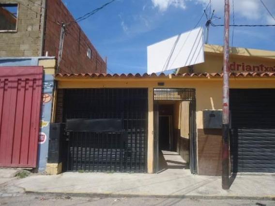 Local Comercial En Alquiler Centro De Barquisimeto 21-1395 Kcu