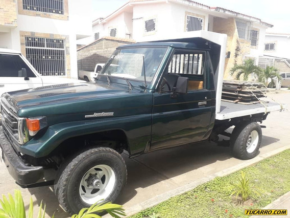 Toyota Macho Pick-up Plataforma
