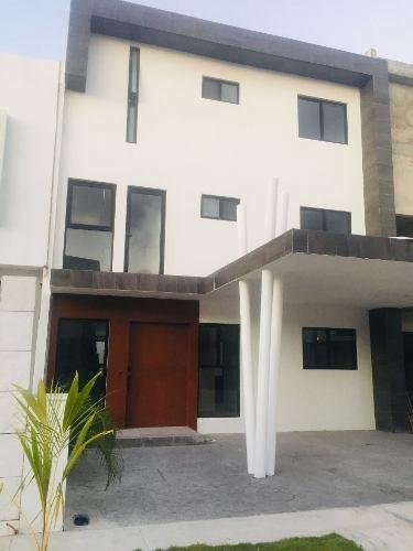 Casa Nueva En Venta Aqua Con Roof Garden Y Alberca