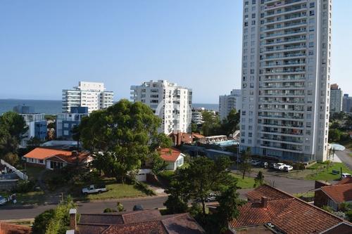 Apartamento En Venta - Brava- Ref: 3982