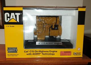Miniatura De Coleccion - Caterpillar - Motor Diesel Esc:1/12