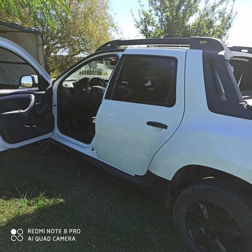 Renault Oroch Black Edition