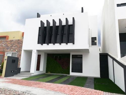 Casa En Venta En Valle Real Corregidora, Querétaro