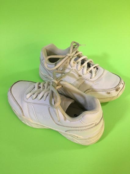 Zapatos Escolares Blancos Marca Umbro Para Niños Y/o Niñas