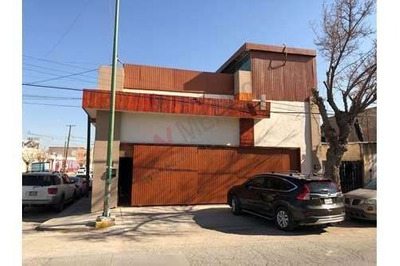 Ideal Para Consultorios Dentales: En El Centro De Juarez