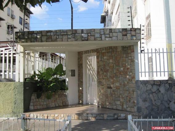 Venta Apartamento 82 Mts2 Urbanización Maracay.gbf 19-7386