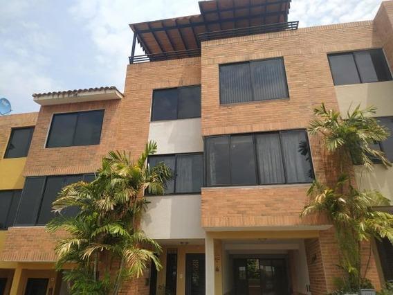 Townhouse En Lomas Del Este 20-11722 Raga
