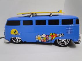 No Chão Kombi Azul Brinquedo Pneu Borracha Show Prancha Surf
