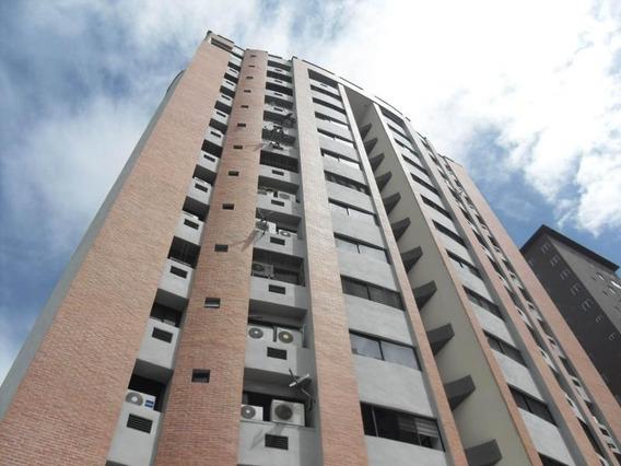 Apartamento En Venta La Trigaleña Valencia Cod 19-17822 Ar