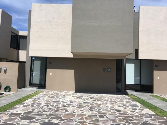 Casa En Renta En Refugio Qro Cada Recamara Su Baño $14000