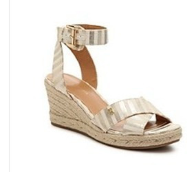Sandalias Tommy Hilfiger Impecables. Gold Metallic. N* 39