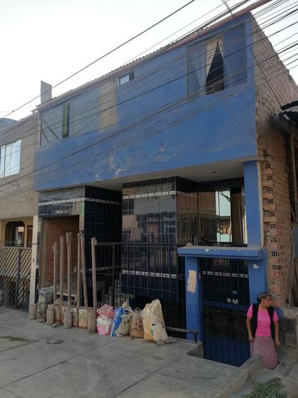Casa De 3 Pisos Casi Independiente