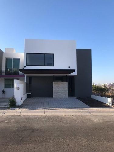 Casa Nueva En Venta En El Refugio Queretaro