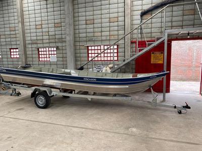 Barco De Pesca 6 Mts Com Carreta Rodoviária Galvanizada