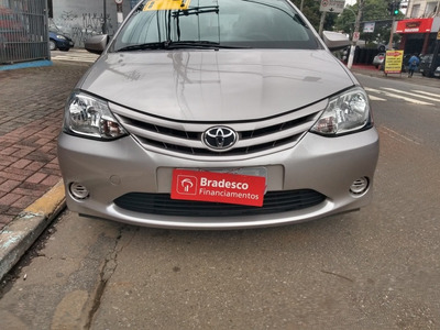 Toyota Etios 2017 1.5 16v X 4p - Esquina Automoveis