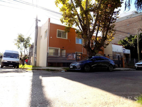 Duplex De Dos Dormitorios En Venta A Estrenar En Tigre. Sobre Lote En Esquina.