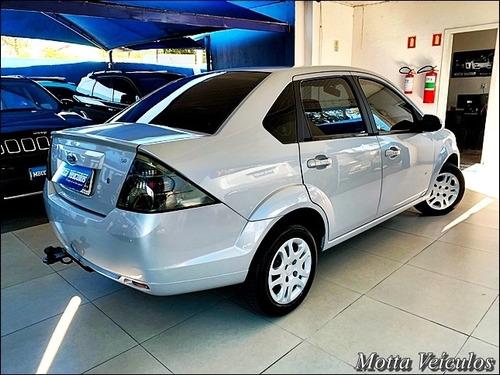 Imagem 1 de 8 de Ford Fiesta Sedan 1.6 16v