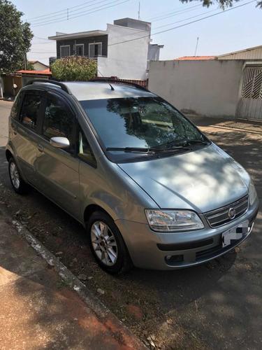 Imagem 1 de 14 de Fiat Idea 2009 1.4 Elx Flex 5p