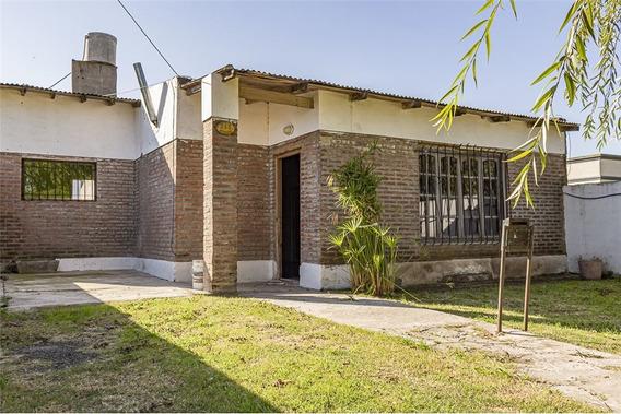 Casa En Venta En Tandil, Sobre Av. Linstow Al 200