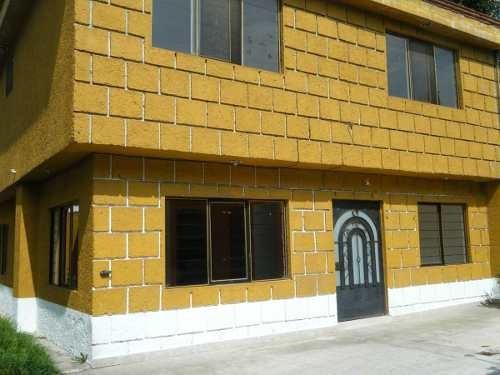 Casa En Renta En Calle Privada, Espaciosa Excelente Ubicación.