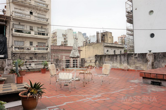 Casa De 300m2 Con Terraza Sobre Lote Propio - Abasto