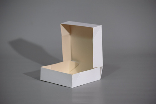 Caja 1 Pieza Pegada 17x17x5 Cm (x 50 U.) Tartas Tarteletas Masas Saladitos Accesorios Ropa Interior - 020 Bauletto
