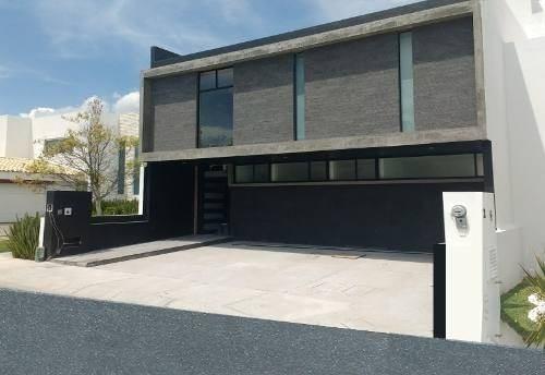 Residencia De Autor En Zibatá, 4 Recs, 4.5 Baños, Cto Serv, C.402m2, Premium.-