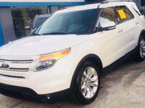 Ford Explorer Limited 13 Clean