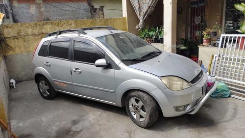 Imagem 1 de 9 de Ford Fiesta 2006 1.0 Street 5p