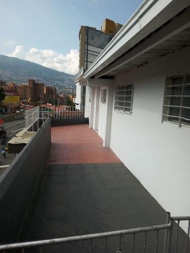 Apartaestudio En Arriendo Laureles 447-10102