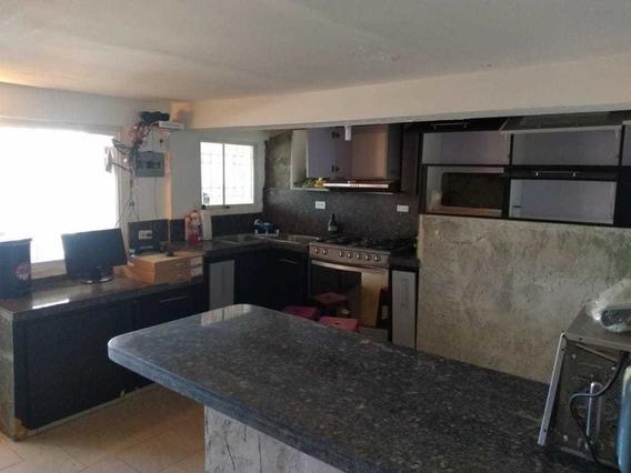 Perfecta Casa Con Locales Comerciales Para Inversion