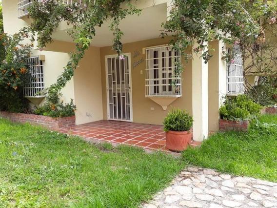 Se Vende Casa Via La Lagunita Rah: 18-6394