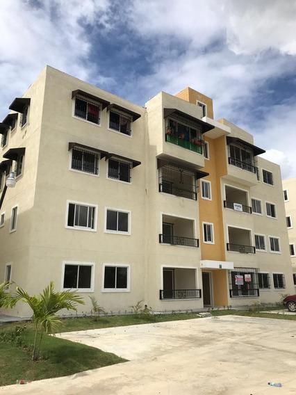 Apartamento En 1er Nivel En El Residencial Monumental.