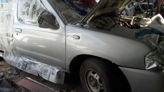 Nissan Np300 2.4 Doble Cabina Lujo Mt 2010