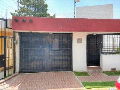 Funcional Casa En Venta En Atizapán