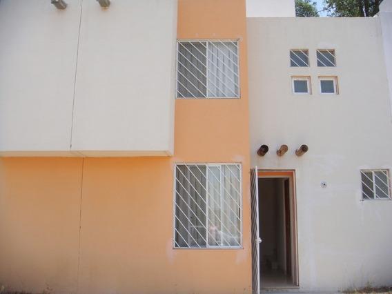 Casa Muy Amplia Y Cómoda Con 3 Recámaras 2 Baños